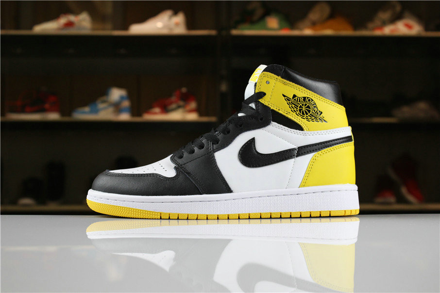 Cheap Wholesale 2018 Air Jordan 1 Retro High OG Yellow Ochre Summit White Black-Yellow Ochre For Sale - www.wholesaleflyknit.com