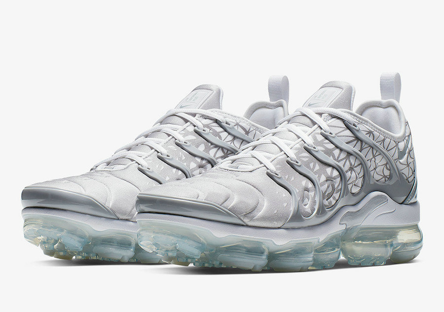 Wholesale Nike Air VaporMax Plus 924453-106 Silver White-www.wholesaleflyknit.com