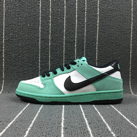 Wholesale Nike Dunk SB Low IW Mens 819674-301 Green Glow Black Summit White Lueur Blanc Sommet Noir-www.wholesaleflyknit.com