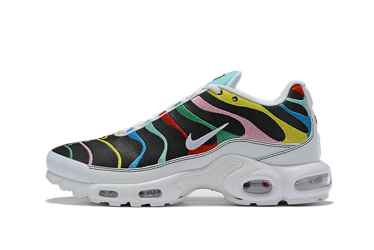Where To Buy Cheap Wholesale Womens Nike Air Max Plus 'International Flag Unisex Running Shoes AQ5117-100 - www.wholesaleflyknit.com
