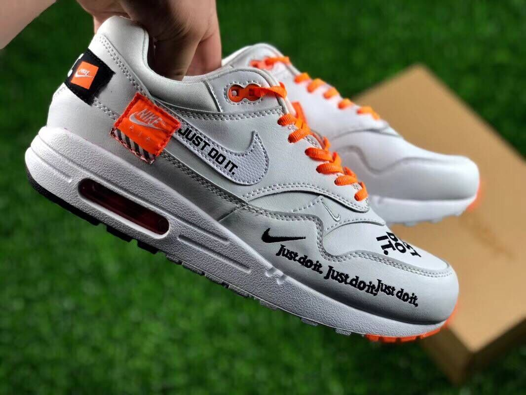 Womens Nike Air Max 1 Master Deluxe White Orange Black Just Do It - www.wholesaleflyknit.com