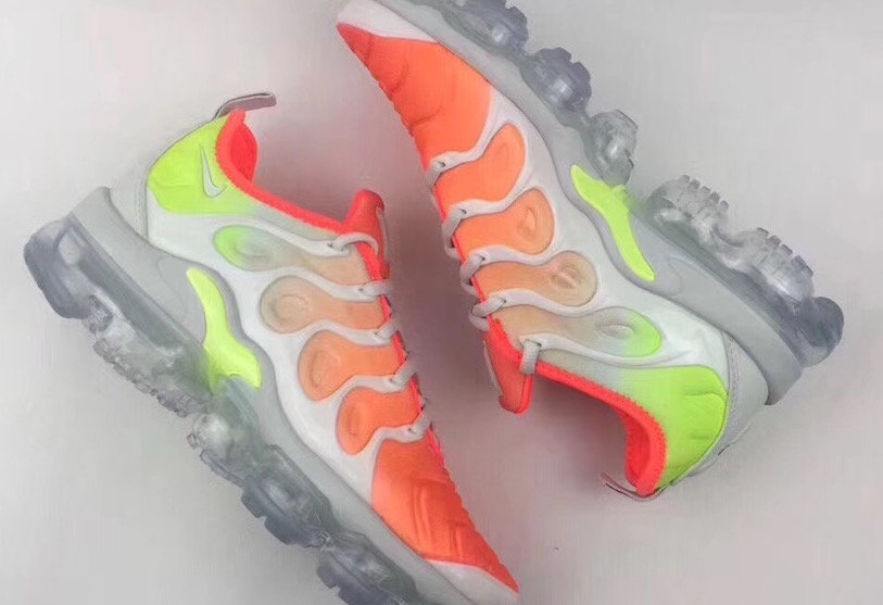 Wholesale Womens Nike Air VaporMax Plus AO4550-003 In Bright Neon Colors-www.wholesaleflyknit.com