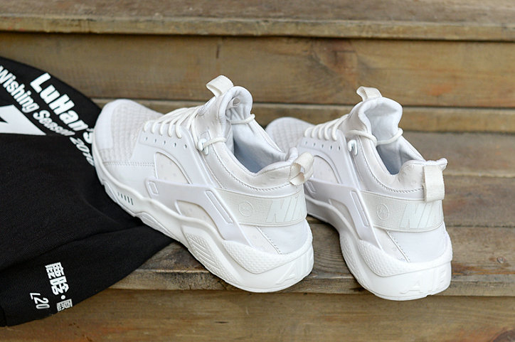 53681700b193 ... New 2018 Nike Huarache Cheap Wholesale x Nike Air Huarache Fragment HTM  Triple White - www ...